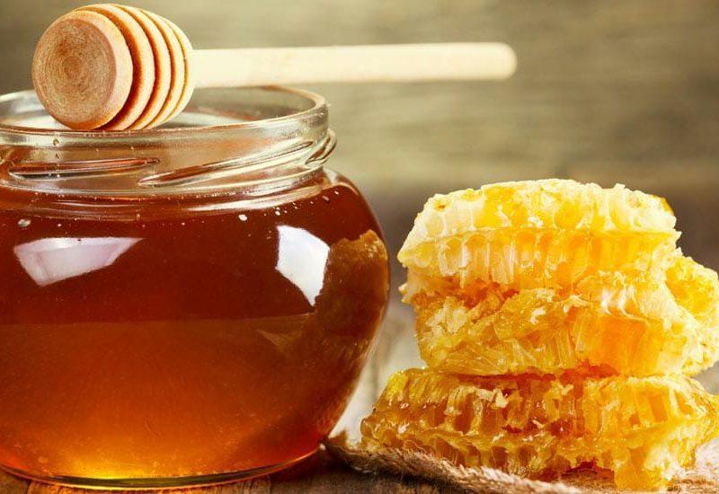 عسل طبیعی را از عسل مصنوعی چگونه تشخیص دهیم.