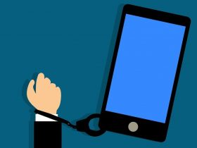 نوموفوبیا چیست؟ آیا شما هم به تلفن همراه اعتیاد دارید؟
