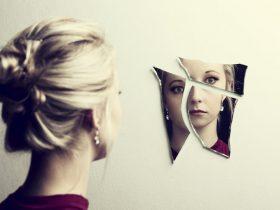 اختلال بادی دیسمورفیک (خود زشت پنداری)؛ علائم، علل و درمان
