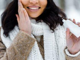 ۱۳ کاری که باید برای مراقبت از پوست در زمستان انجام دهید