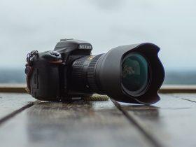 هود لنز چه کاری انجام میدهد و چه زمانی باید از آن استفاده کرد؟