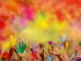 با سفر به این مقاصد هیجان انگیز به تماشای هر رنگ رنگین کمان بنشینید