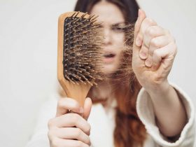 چگونه ریزش مو را به حداقل برسانیم؟