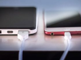چرا شارژ کردن شبانه گوشی میتواند بد باشد؟
